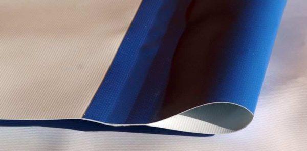 Svetsad kanal PVC banderoll